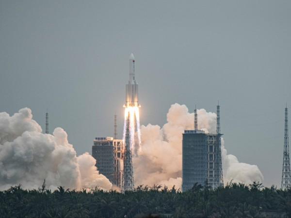 Китай изстреля днес основния модул на първата си постоянна космическа