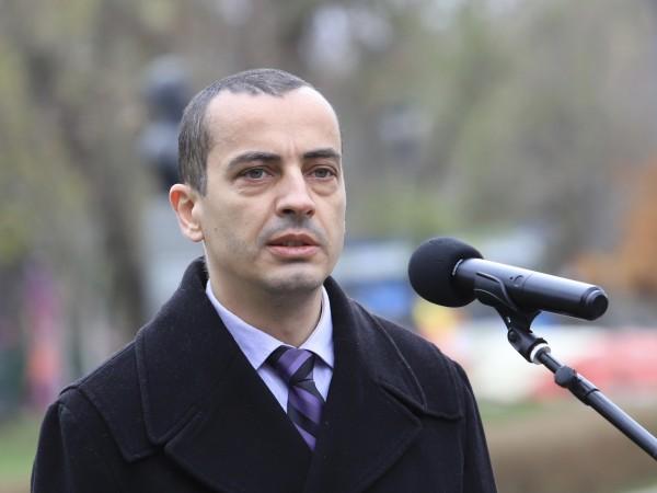 Заместник-кметът по култура, образование и спорт на Столична община доц.