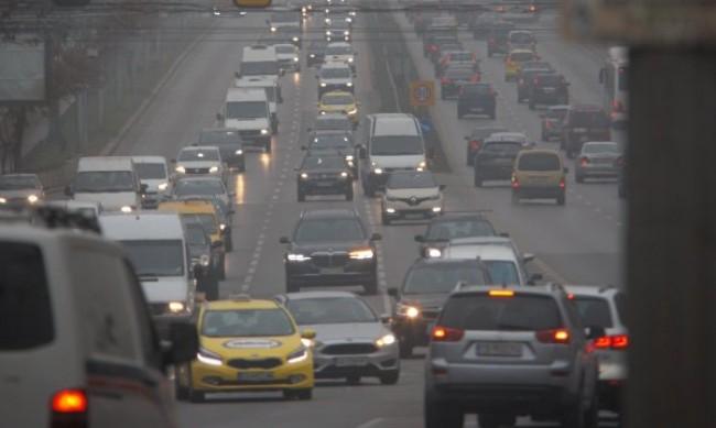 200 000 коли напускат София преди Великден