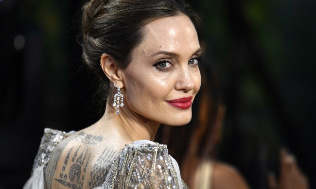 Анджелина Джоли забрави Брат Пит, намери си музикант