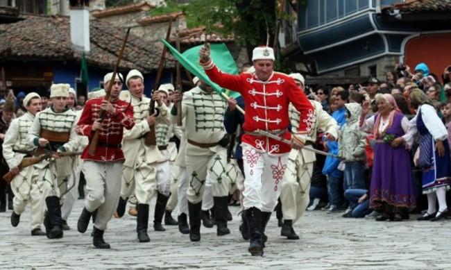 България почита героите на Априлското въстание