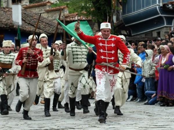 България се прекланя пред подвига и саможертвата на героите от
