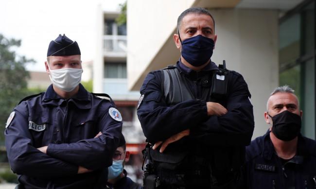 Полицията на борба с масови незаконни партита във Франция