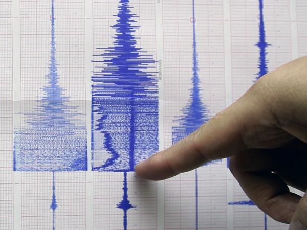 Земетресение с магнитуд 3,5 по Рихтер разлюля тази нощ Сицилия.