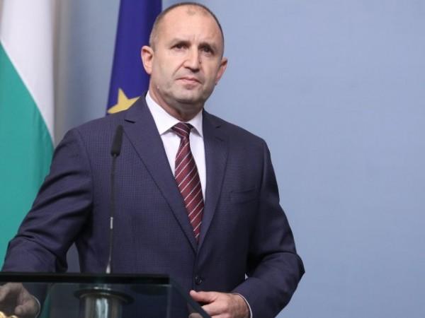 Президентът Румен Радев утвърди днес със свой указ правилата за