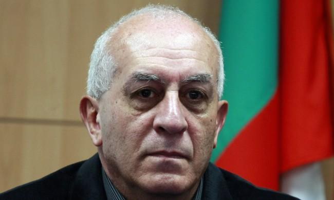 Юрий Асланов: България тепърва навлиза в масивна криза