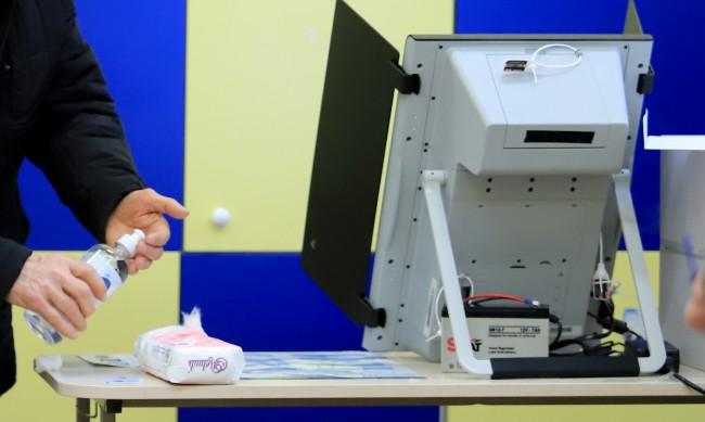 Експерт: Предсрочните избори най-рано на 11 юли