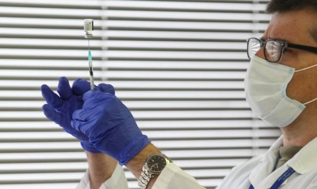 Европейската агенция щe проучва китайска ваксина срещу COVID-19