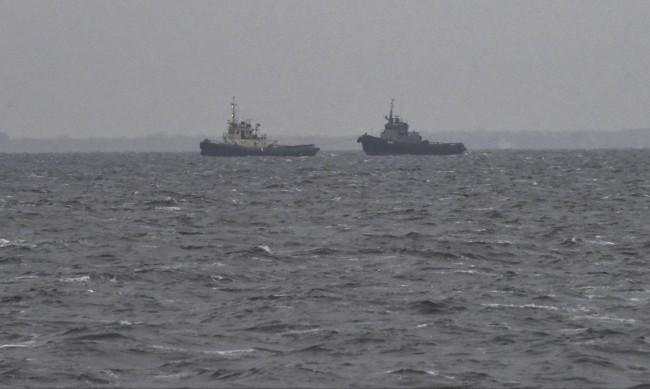 """""""Пълзяща окупация"""": Как Русия показва мускули в най-малкото море"""