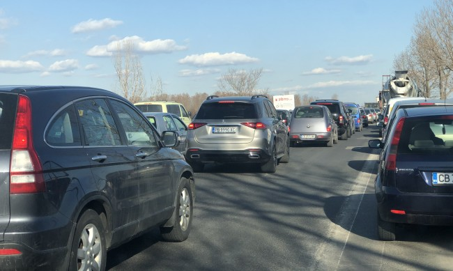 Около 90 000 превозни средства са се върнали в София вчера