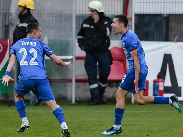 Левски постигна победа с 2:0 при гостуването си на Царско