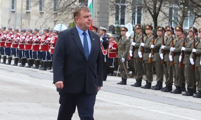 Каракачанов: Никой не е готов за избори, да мислим преди гласуване