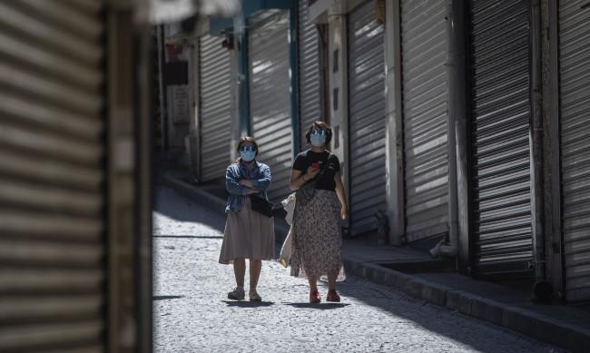 Намаляват случаите на коронавирус в Турция