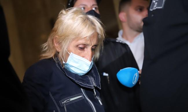Оставиха в ареста бабата, обвинена за смъртта на нейната внучка