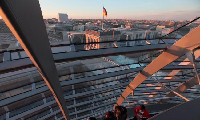 Близо 200 000 наети в германските автомобилни заводи ще останат без работа