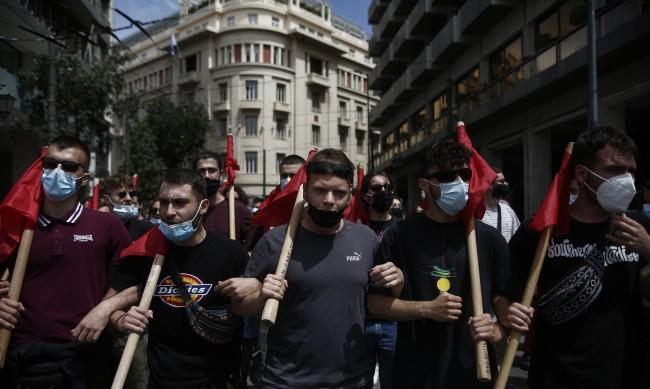 Стачка парализира Гърция, транспортът е напълно блокиран