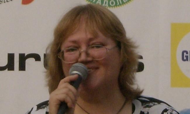 Почина певицата Ваня Костова