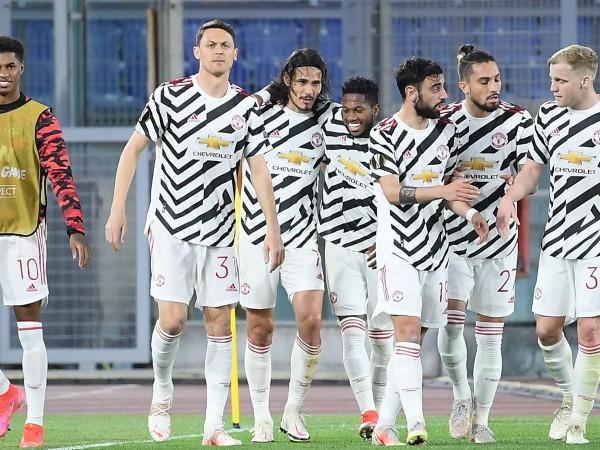 Рома победи Манчестър Юнайтед с 3:2 в полуфинална среща реванш