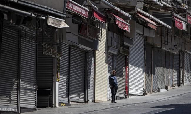 COVID-19 отстъпва на Балканите, но не и в Турция