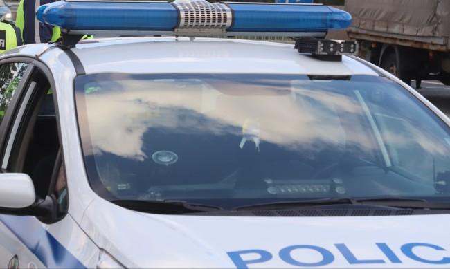 Полицай пострада при опит да спре пиянска свада в Стражица