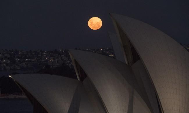 Заради COVID-19: Австралия остава затворена до 2022 година?