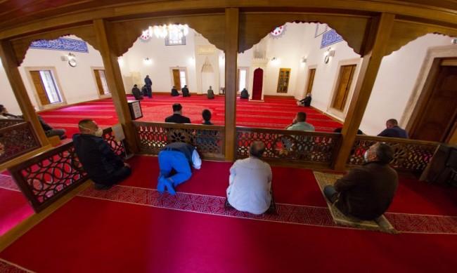 Ислямофобска атака срещу мюсюлмански поклонници в Лондон