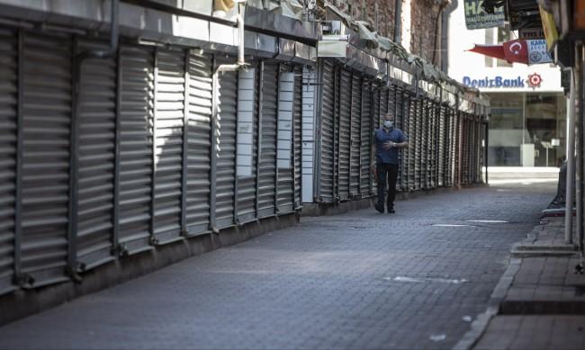 Локдаун преди лятото: Почивайте в Турция без турци