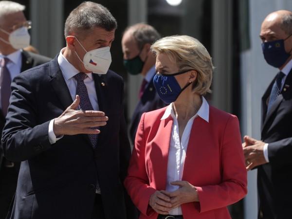 На неофициална среща на върха на ЕС в град Порто