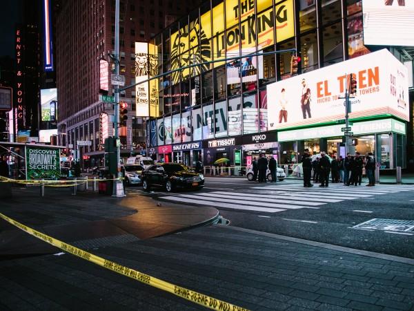 При стрелба на оживения площад Таймс Скуеър в Ню Йорк