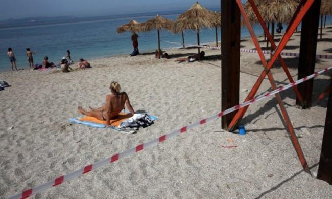 Плажовете в Гърция отворени за туристи