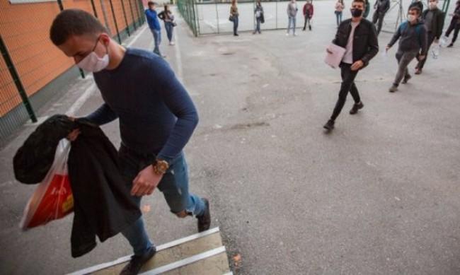 Учениците под карантина отиват на матура