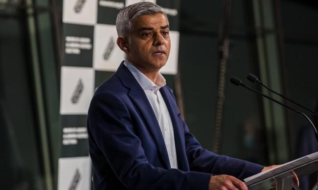 Преизбраха Садик Хан за кмет на Лондон