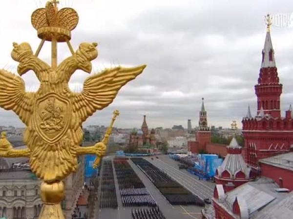 Москва отбеляза Деня на победата над нацизма с внушителен военен
