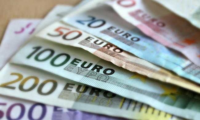 Смяната на лева с еврото през 2024 г. - напълно постижимо