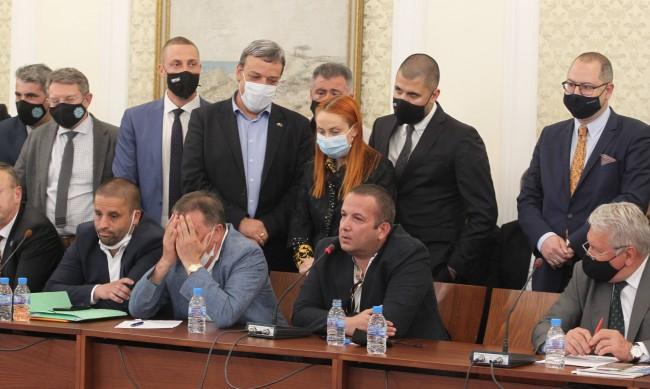 Манолова: Процесът по осветяване на корупцията започна