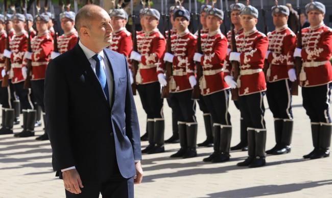 """Радев готвел """"военен""""  кабинет, нямало да има министри от БСП?"""