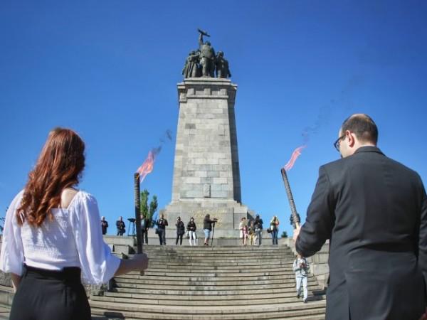 Отново спор около паметника на Съветската армия в София. Инициативна