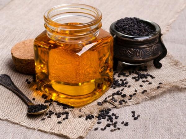 Черният кимион е растение с красиво цъфтящи цветове. Вирее в