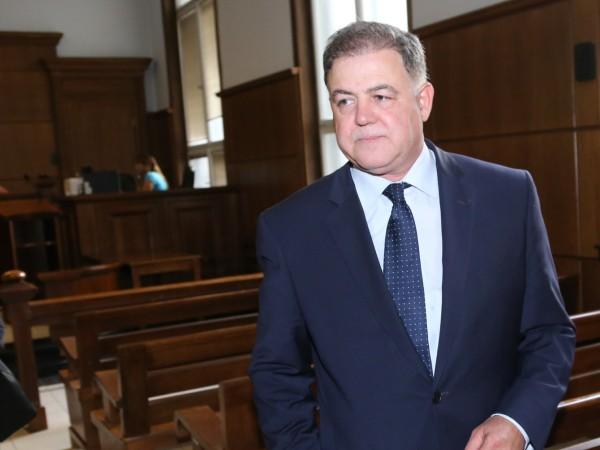 С окончателно решение на ВКС бившият министър на отбраната Николай