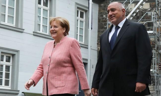 Борисов и Меркел си благодарили за диалога през годините