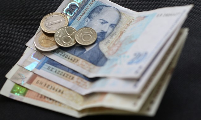 Средната заплата в София мина 2000 лв., най-ниските доходи - във Видин
