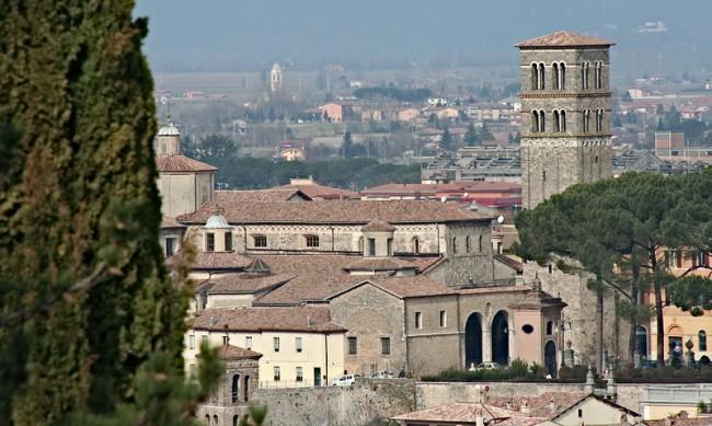 Кои са красивите италиански градове, които ще ви платят, за да работите от там?