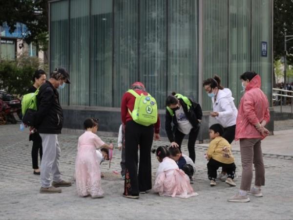 Най-бавният прираст на населението на Китай от десетилетия насам може