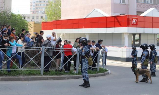 В тежко състояние са 8 от ранените при стрелбата в Казан