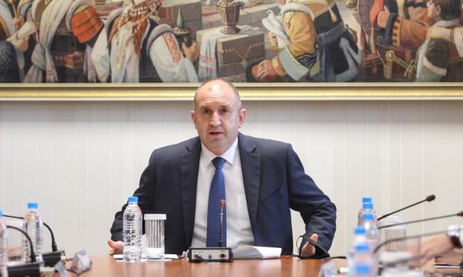 Политолог: От служебния кабинет зависи вторият мандат на Радев