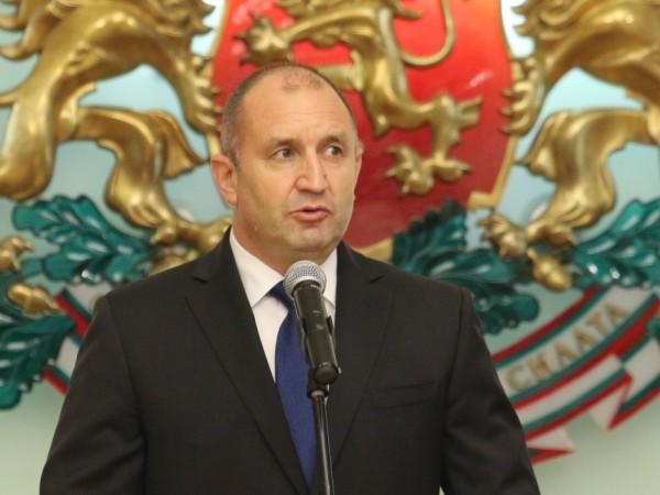 Президентът Румен Радев поздравява представителите на мюсюлманската общност в България