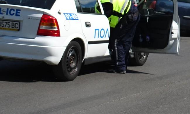 Автобус и две коли се удариха в София