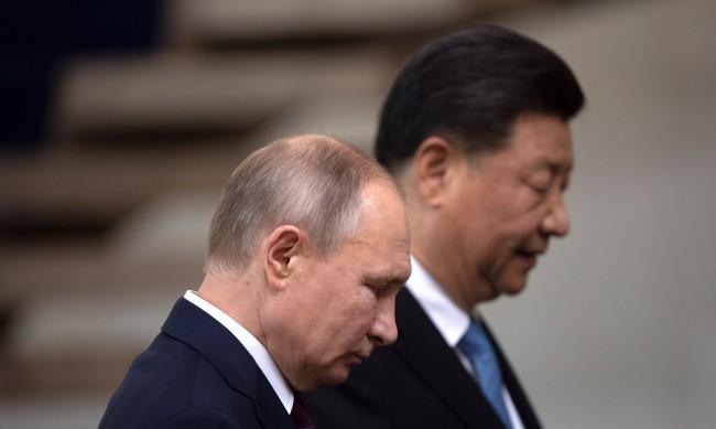 Неочакван съюз: Китай и Русия срещу Запада за имунизиране в по-бедните страни