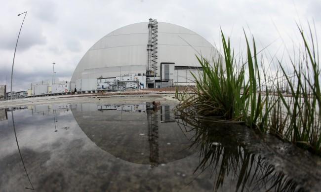 Делене под саркофага на Чернобил: Може ли да избухне отново?