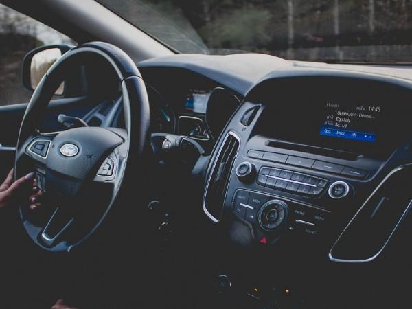 Пазарът на нови автомобили в България подчертано започва да се